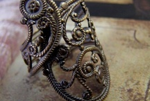 i have a serious thing for filigree. / by Julie Maughon