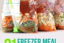 FOOD: Crockpot Freezer Meal Planning / by Natalia Caylor