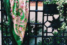 Fairytale motifs. Сказочные мотивы. Russian traditional shawl. Wool 100%. 125x125cm. Silk fringe. Platochic.tictail.com