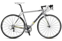 Design;Beautiful Road Bikes / 美しいプロポーションとグラフィックのロードバイクをコレクション。