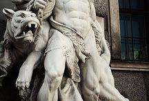 sculpture & statue