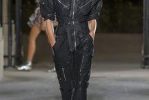 Modetrends / Hier findest Du alle wichtigen Modetrends der internationalen Modewochen. Was man gerade trägt, was ein Revival feiert und wie man den Trend in seinen persönlichen Stil integriert – bei Harper's Bazaar.