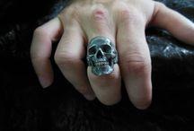 Кольца с черепами