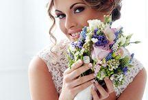 Glücksschmie.de / Von individuellen Einladungen, Menü- und Tischkarten über Ihre persönliche Website bis hin zu einzigartigen Tisch- und Raumdekorationen für Ihre Hochzeit. Der Kreativität sind keine Grenzen gesetzt. Mittels stilvoller Mietmöbel, professioneller Veranstaltungstechnik, harmonischer Beleuchtung und dem perfekten Klang, nicht nur zum Eröffnungstanz, arrangieren wir aus Ihrem Traum die Wirklichkeit und schmieden das Gewand Ihres Glücks an Ihrem Hochzeitstag.