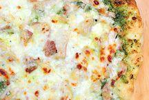 Pizzas / by Amanda Ardail