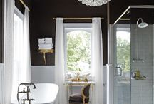 Bathrooms / by Kerstin Baumann
