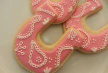 Cookies / by Raeleen Tillett