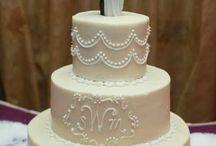 Wedding Cakes / by Vanessa Pizza