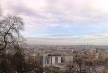 Cluj-Napoca / Cluj-Napoca este orasul nostru de resedinta; multicultural, modern si primitor, Clujul are multe secrete. Va invitam sa le descoperiti impreuna cu noi.