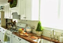 Kitchen / by Brooke Obermeier