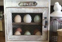 Eggs holders