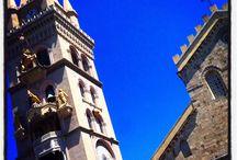 Messina / Messina, Missina in siciliano, (Μεσσήνη/Μεσσήνα in greco) è un comune italiano di 237 966 abitanti. Capoluogo dell'omonima città metropolitana in Sicilia, nonché tredicesimo comune italiano e terza città non capoluogo di regione più popolosa d'Italia.