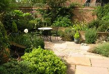 Small Garden Ideas / See what can be achieved with a small space