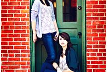 posing: sisters & BFF photo shoot.