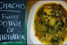 Platos: Gastronomía Canaria / La gastronomía de las Islas Canarias está compuesta por los platos tradicionales del archipiélago canario y constituye un importante elemento de la identidad cultural del pueblo canario. Se caracteriza por su sencillez, variedad, riqueza de ingredientes, producida por la fragmentación del territorio.