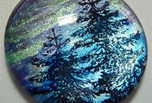Rubber Stamped Jewelry Projects / Faux dichroic glass tutorial to mimic glitter foil effects, simple quick and easy projects for DIY pendant making.