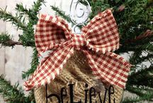 Burlap Christmas decorations / by Brenda Noll