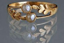 Jewelry: flora