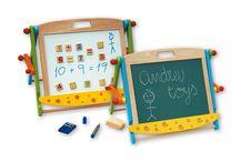 Andreu Toys / ANDREU Toys je španělská značka známá po celém světě. Představuje nejvyšší kvalitu v celém procesu výroby hraček a her. Společnost spolupracuje se vzdělanými pedagogy, tak aby naplnila svůj cíl a poskytovala vzdělávací hry a hračky, které jsou bezpečné a podporují schopnost rozvoje jednotlivých dovedností.