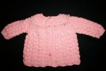 crochet y tejidos en español / by Mary Magdaleno