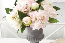 Floral Arrangements / by Marie Goss