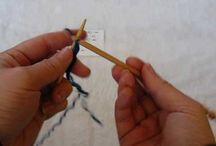 Ręczne robótki / Płaszczyki dziecięce robione na drutach, czapki i sweterki robione na szydełku.