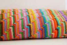 Crocheting / Manta