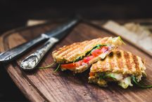How to make the best panini / Treats in a heavenly covering of melted cheese and golden-brown crust: Panini are the ultimate in comfort food. Did you know that you don't need any special equipment to make these sandwiches?