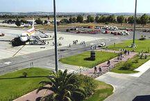 Aeropuerto de Jerez / El aeropuerto de Jerez está situado en el término municipal de Jerez de la Frontera, a 8 kilómetros al noreste de la ciudad y se constituye como uno de los ejes vertebrales del desarrollo turístico de la provincia de Cádiz. http://ow.ly/GwJTF