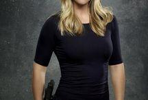 A.J Cook / Agent Jennifer Jereau of Criminal Minds. She is so pretty.