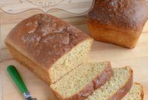 bread recipes / by Elfriede Erickson