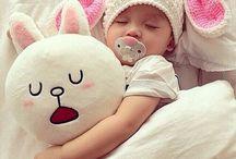 Easter / Easter: Boys, Girls, Babies, Children, Childhood, Animals, Family, Parents, Motherhood, Maternity, Fatherhood, Paternity, Pregnancy, Love