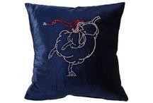 Декоративные подушки / Каталог подушек для декора интернет-магазина мебели и товаров для дома lafred.ru. Можно заказать и купить с доставкой по всей России