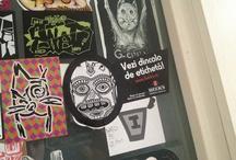 Inspiratia apare oriunde. Vezi dincolo de eticheta! / Am mers prin campusurile universitare din Bucuresti & Iasi, in cautare de oameni creativi care pot vedea dincolo de eticheta si arata viziunea lor originala asupra acesteia.