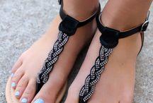 Sandálias e vestidos