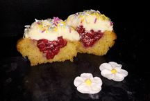 Hen Do cakes / Take a look at our exciting Hen Do cakes for your special girlie occasion!
