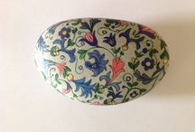 painted pebbles / painted rocks and stones