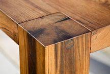 masivní dubový stůl