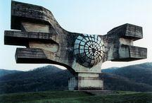 EGENDOMLIGA MONUMENT.