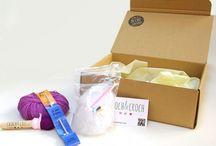 Kits para hacer amigurumis / Kit amigurumi para aprender a hacer amigurumis. Con distintos niveles de dificultad, para ti o para regalar. Un regalo muy original si te gusta el ganchillo y quieres iniciarte en el mundo amigurumi o ya has hecho algunos pinitos!