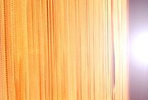 Lamellenvorhänge / Fadenvorhänge / Vertical Blinds / Lamellenvorhänge sind aus Büro's nicht mehr wegzudenken. Und auch in Wohnungen und Wohnhäusern werden Lamellenvorhänge in Zukunft mehr Akzeptanz erfahren. Durch unseren täglichen Umgang mit Lamellenvorhängen und Fadenvorhängen entstehen zum Teil interessante Fotos, die wir hier mit euch teilen möchten!
