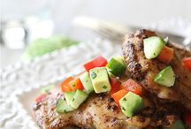 Summertime Eats / Summery sips & backyard bites perfect for BBQs, eating al fresco, and picnics!