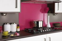 Coloured Glass Splashbacks / British made coloured glass Splashbacks in a range of colours that co-ordinate perfectly with our coloured upstands.
