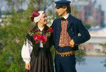 Finnish Folk/National Costumes - Suomalaisia kansallispukuja