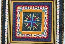 round robin or medallion quilts / by Carol Mercer
