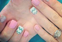 nails / by melanie vasquez