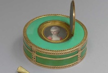 Tabakdosen / Snuff Boxes / Tabatières / Men's Fashion & Accessories: Snuff boxes, 19th-century / by Melanie Grundmann