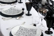 black and white table setting decoration