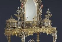 VANITYS & DRESSING VENUS' TABLE