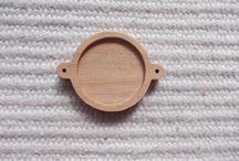 Puiset korulinkki pohjat / korulinkkipohja, korulinkki kehys, puutyö, puuesine, puutuote, puinen askartelu, puutyö, puinen korulinkki, korupohja, täytettävät korupohjat, korukehykset. korujen tekeminen, askartelu, tee itse, täytettävä rannekkoru pohja, puinen harrastustarvike, askartelutarvike, ripuspohja